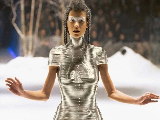 Alexander McQueen's extraordinary silver coiled corset created by jewellery designer and friend Shaun Leane