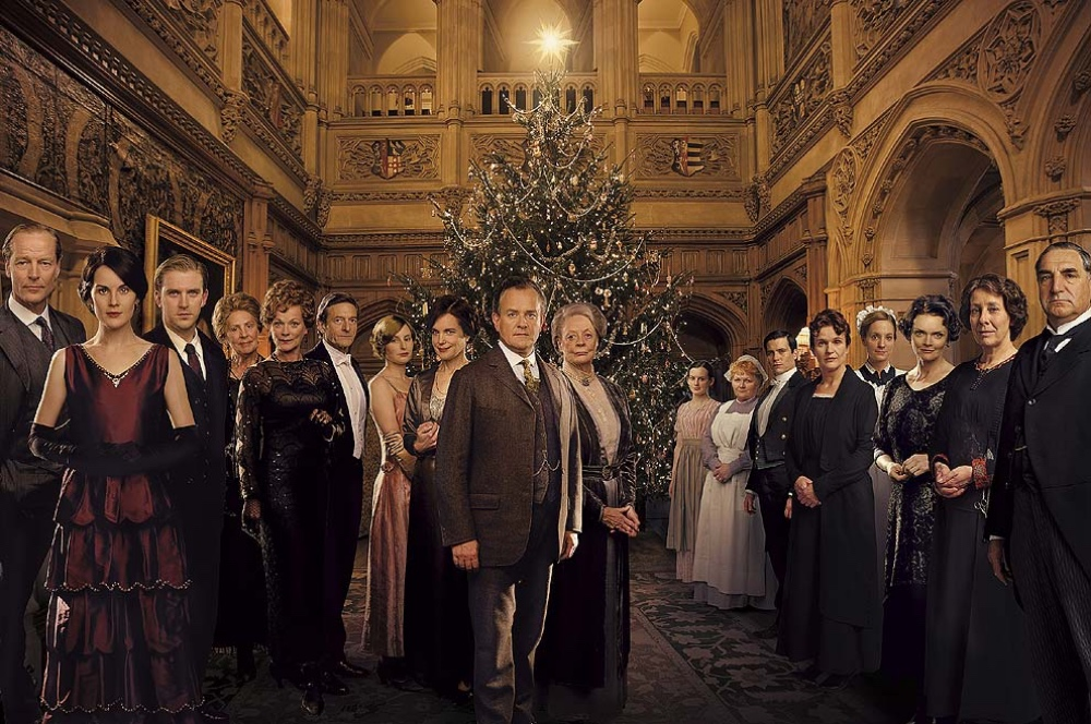 Downton Abbey cast Highclere castle Christmas tree