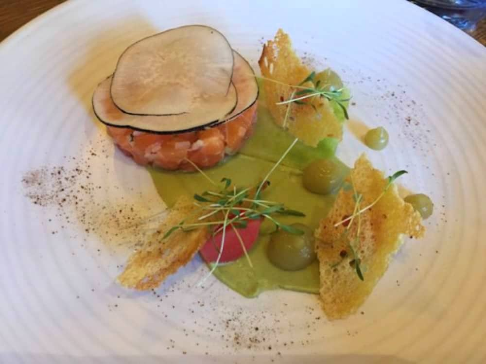 Salmon tartare with parmesan crisps at The White Oak Coolham