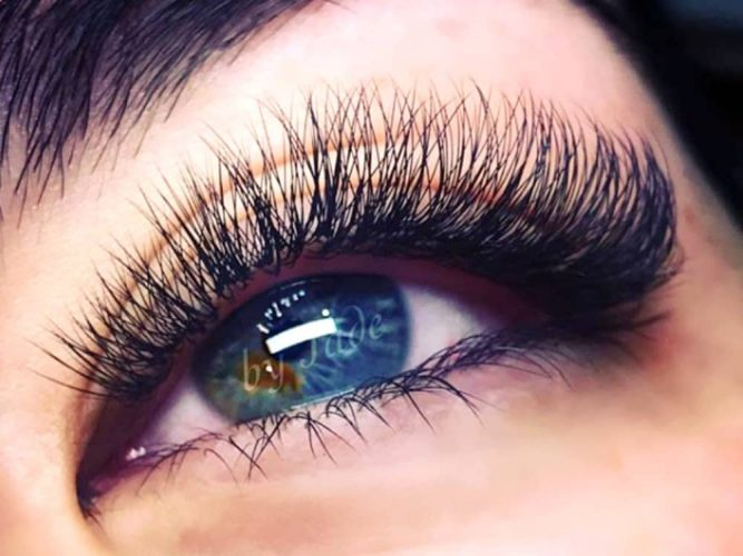 Beautiful long lashes from extensions by The Art of Beauty by Jade