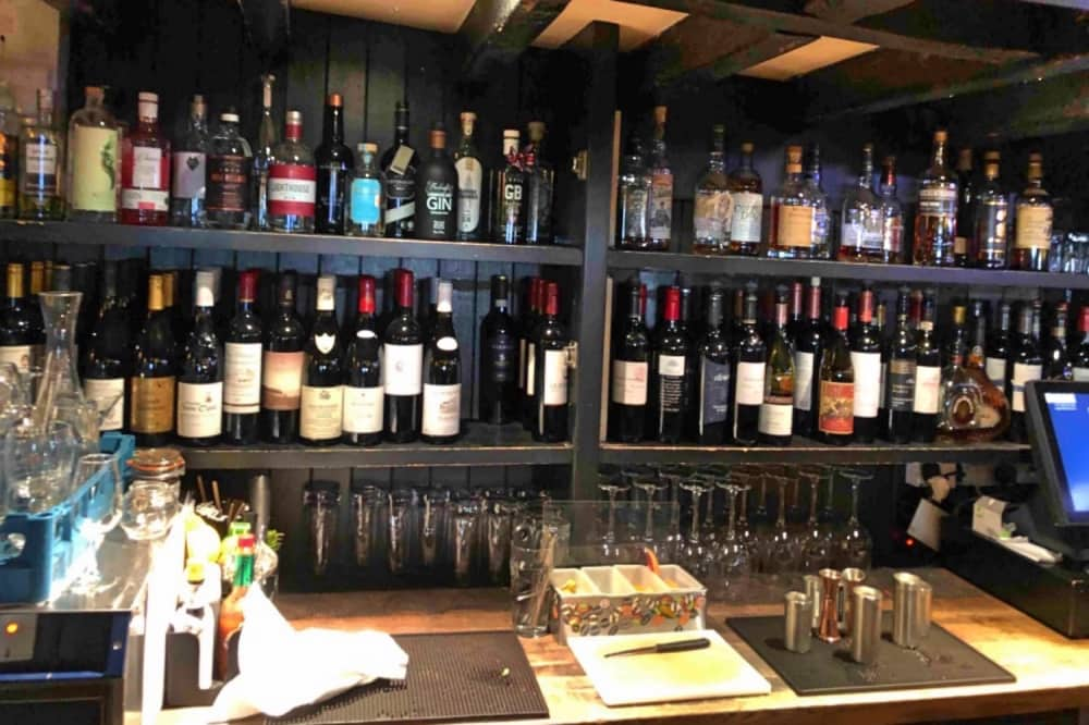 Crown at bray Heston Blumenthal pub bar artisan spirits craft lagers and Fat Duck supplied wines