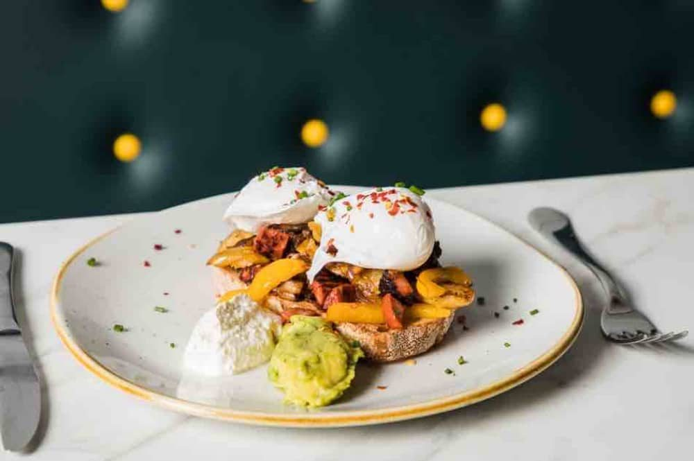eggs and advocate on toast fresh food at The Jelly Loung posh play soft play centre Windsor Berkshire
