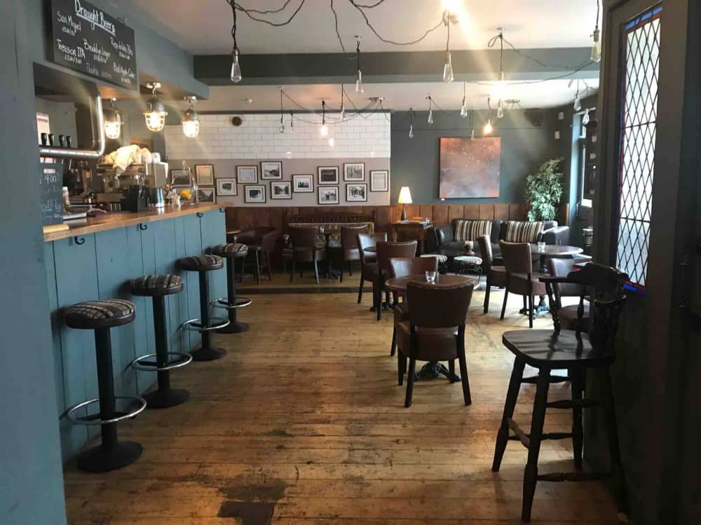 wood, farrow and ball painted walls industrial lighting Eton mess Pub eton Berkshire