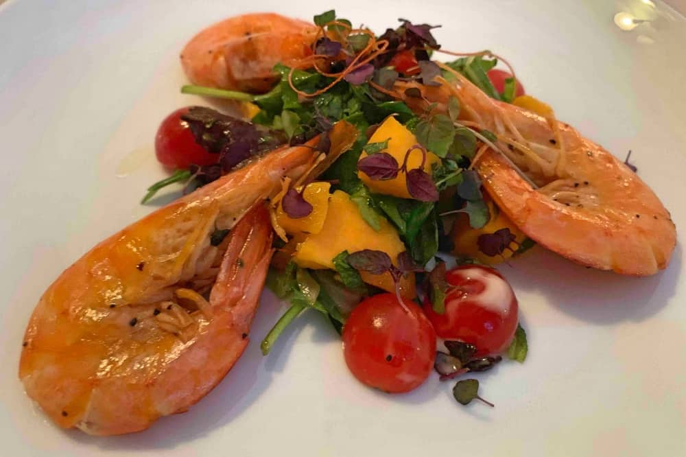 Old Boot Stanford Dingley starter garlic prawns mango salad