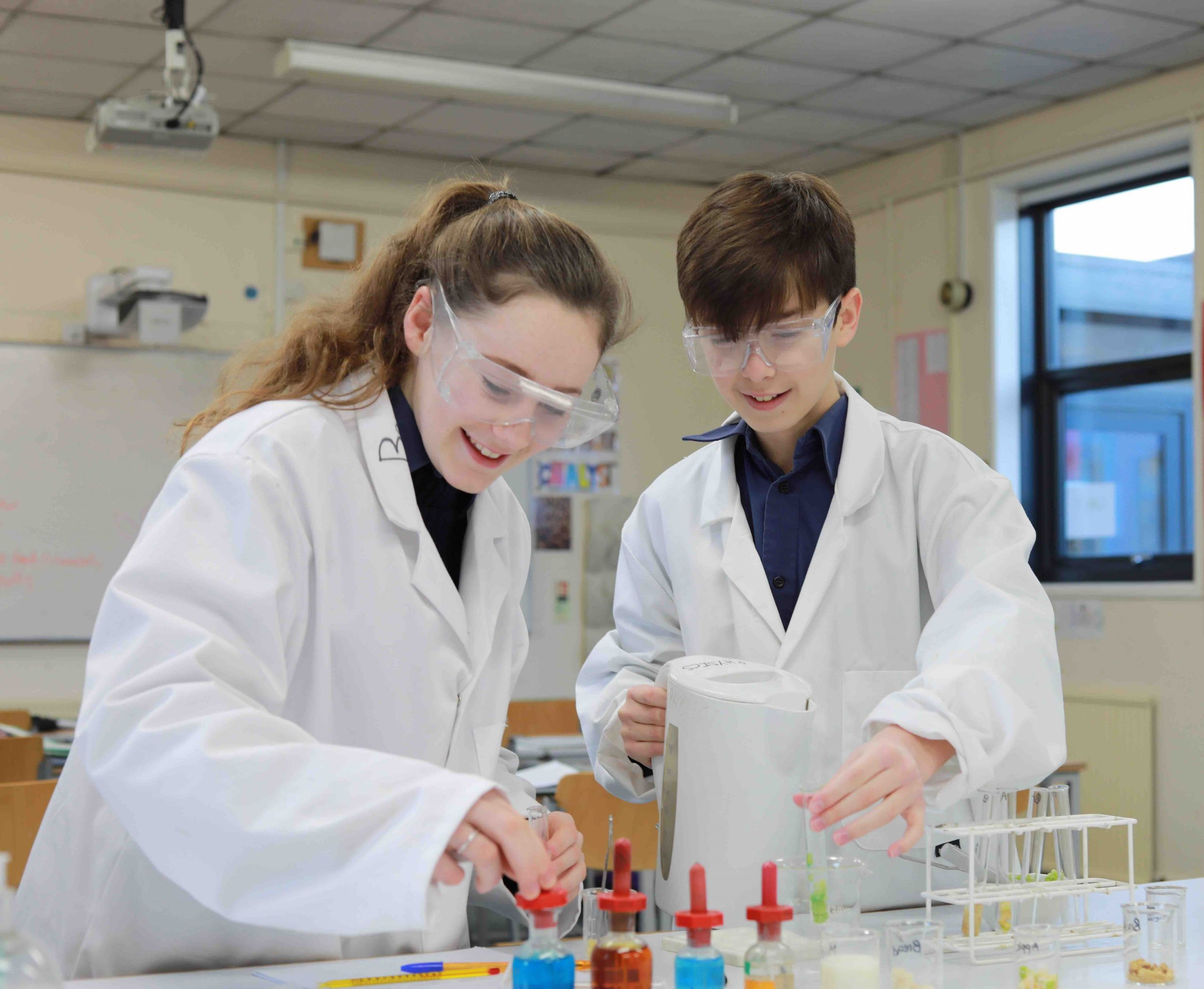 Pangbourne College Berkshire boy and girls science experiment