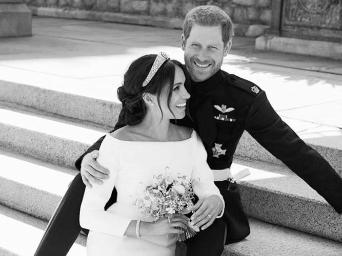 Prince Harry and Meghan – Duke and Duchess of Sussex Royal Wedding 2018 Windsor Castle steps