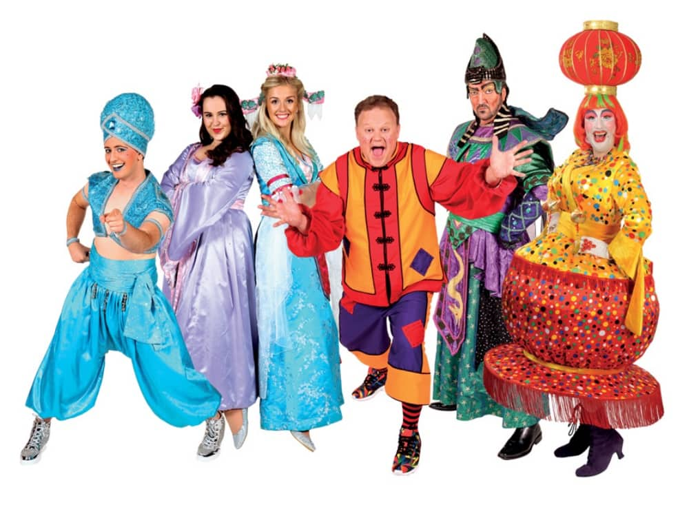 Cast of Aladdin Reading Panto CBeebies star Juston Fletcher Paul Morse Widow Twankey chinese lantern non head