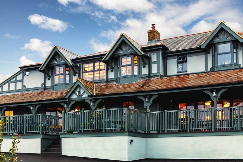The Oxford Blue Old Windsoer teal and pale blue exterior pub berkshire