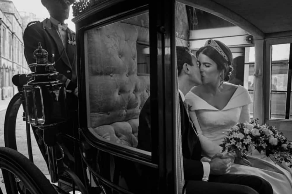 Stage coach kiss Princess Eugenie and Jack Brooksbank wedding