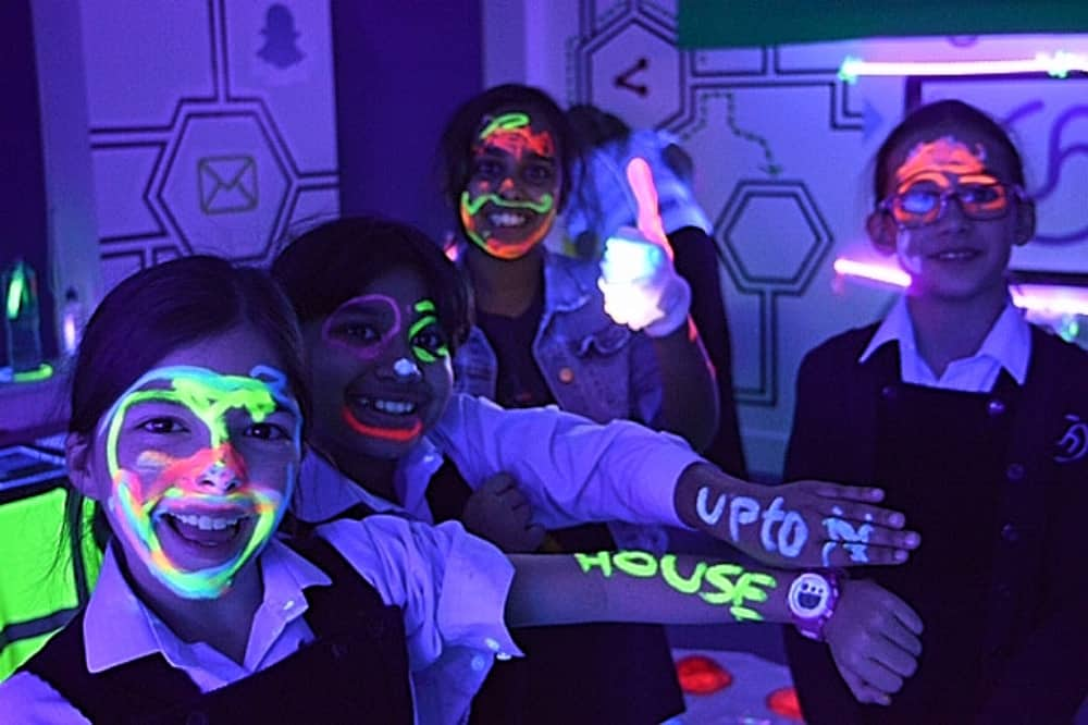 Upton House Windsor Berkshire girls uv paint and uv light science week