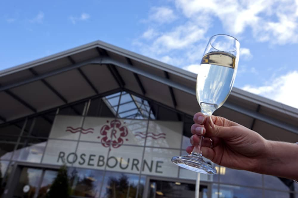 ROSEBOURNE Aldermaston garden centre farm shop cafe glass of prosecco
