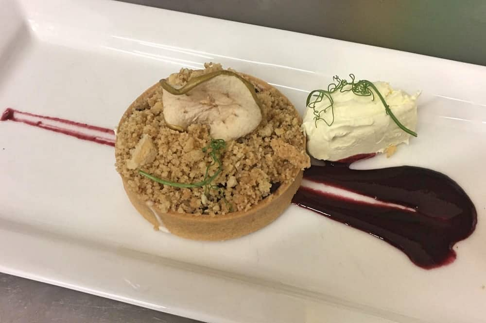 THE PANTRY Yattendon Berkshire cafe with suppler club tart quenelle of cream and smear fruit sauce