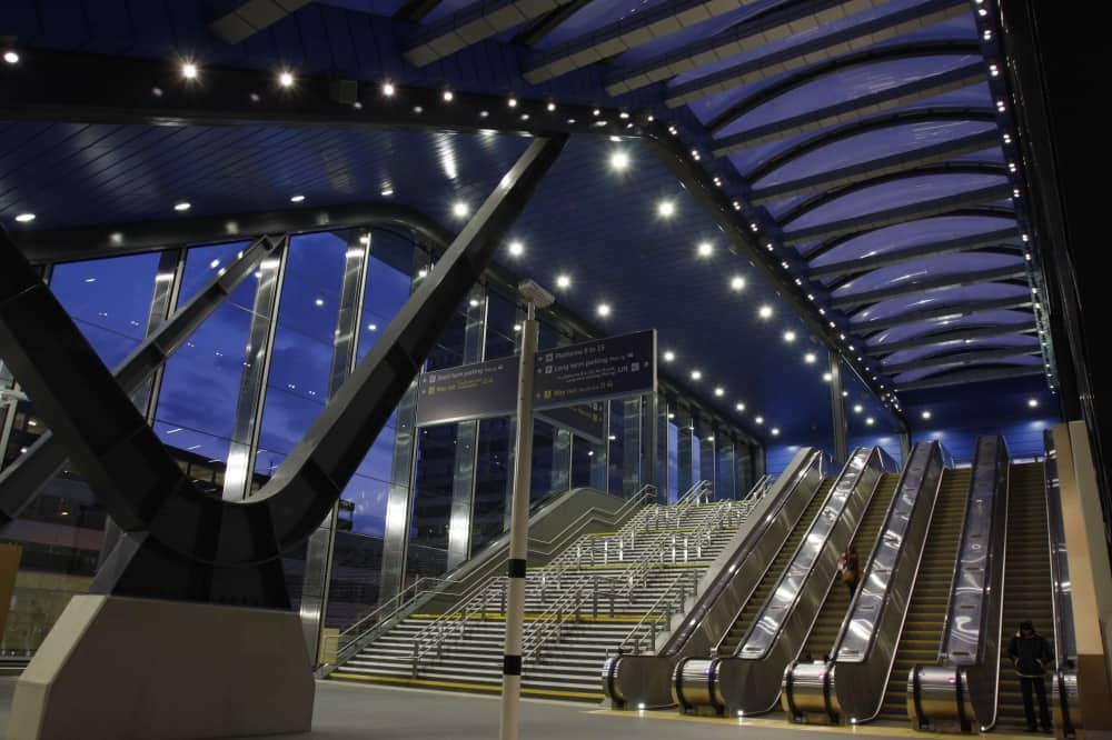 Reading Railway Station redevelopment steel brace escalators glass curved roof crossrail