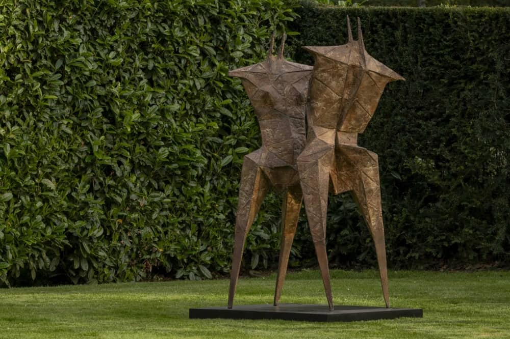 Anthony Caro cliveden National Trust metal sculpture of two human forms