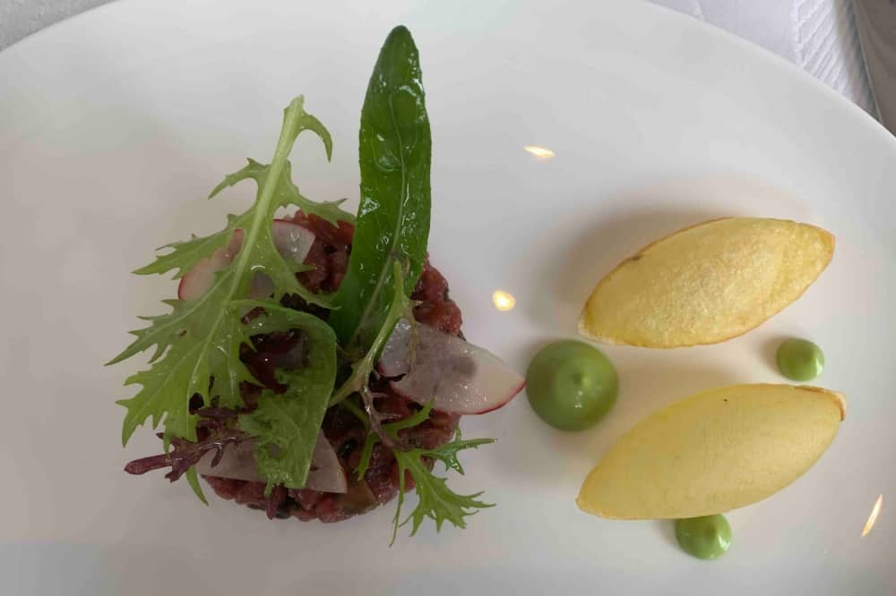 Waterside Inn Bray steaak Tartare puffed potatos rocket dressing