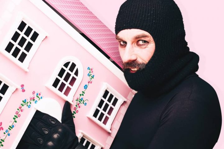 Eddie Summer School of Burglary comedian in balaclava pnk dolls house