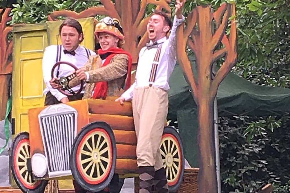 Wind in the willows Qauntum Theatre Cliveden NT Toad ratty and mole in car