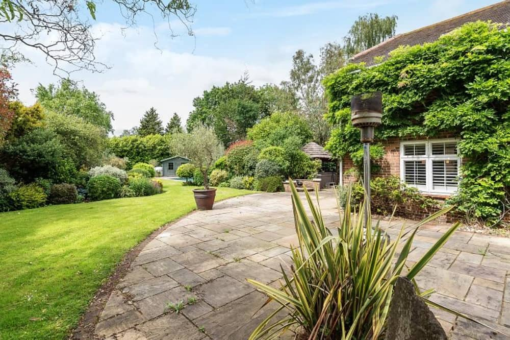 Garden House Hurst Berkshire patio mature gardens lawn