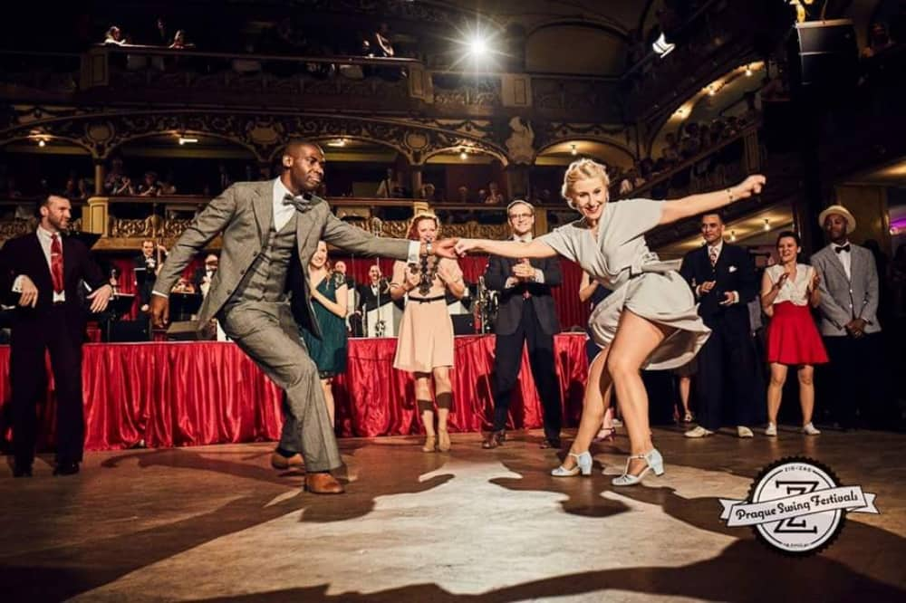Retro Festival newbury berkshire jiveswing.com man and woman dancec iin vintage dance hall