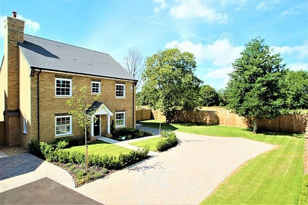 The Tower House Mortimer 5 bed detached house