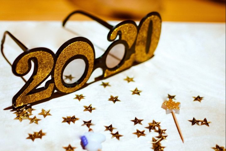 2020 novelty glasses on table of confetti