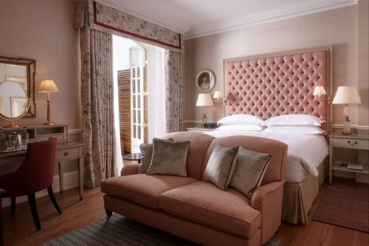 Cliveden House Hotel Taplow pink bedroom