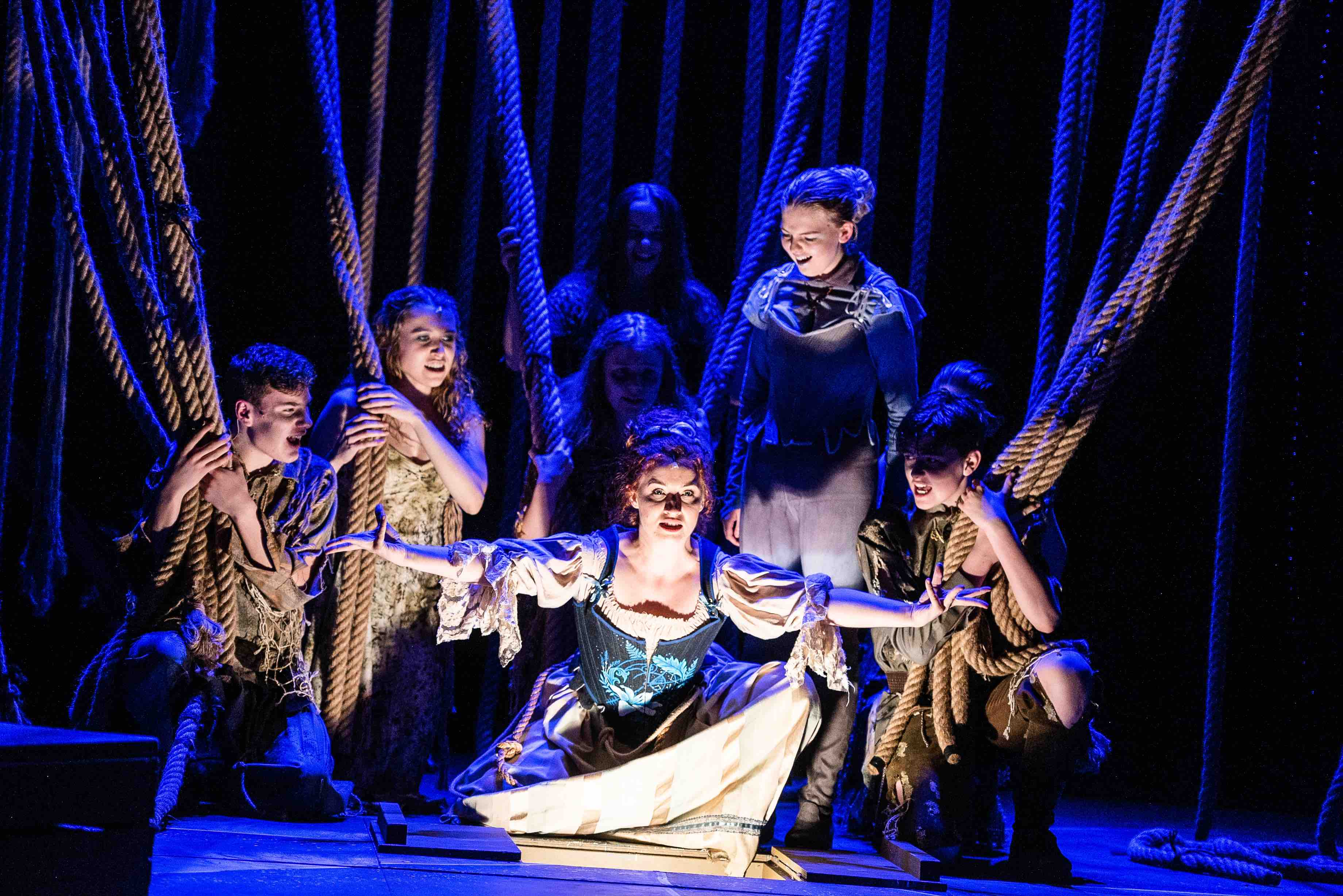 SHPTempest-prosperos woman witchcraft surrounded by spirits