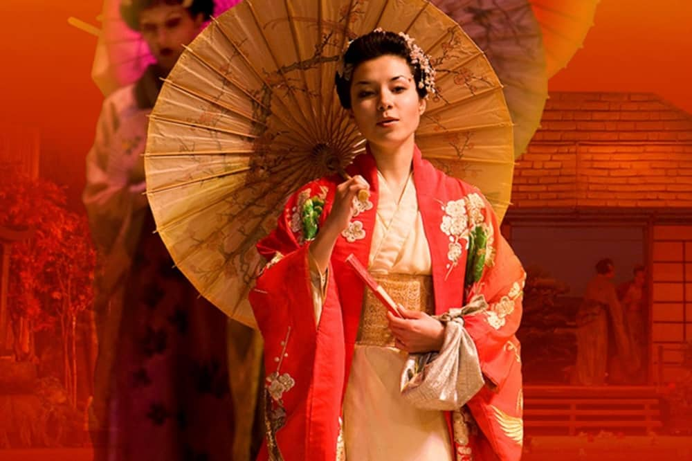 madama butterfly Kent opera Company 1000x666 geiisha in kimono and paper umbrella