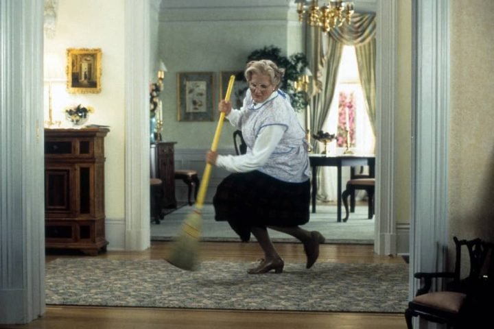 Mrs Doubtfire Robin williams as a woman dancing with broom