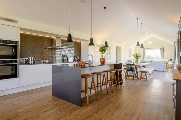 The Gallop Compton open plan kitchen