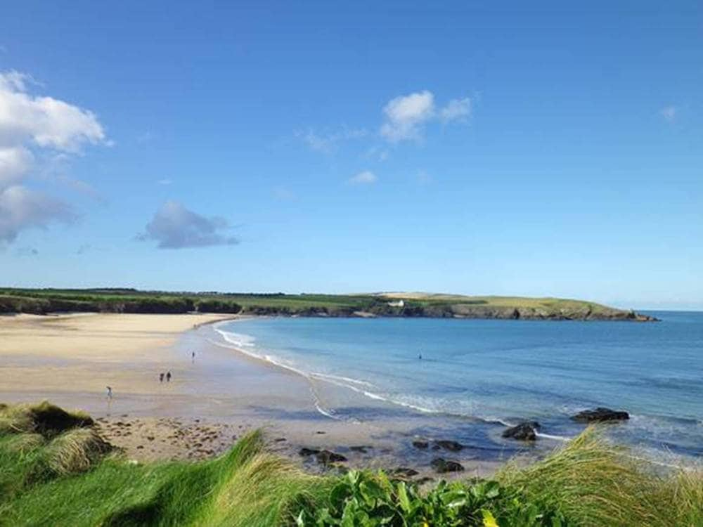 Harlyn-Bay-on-The-PIg-website