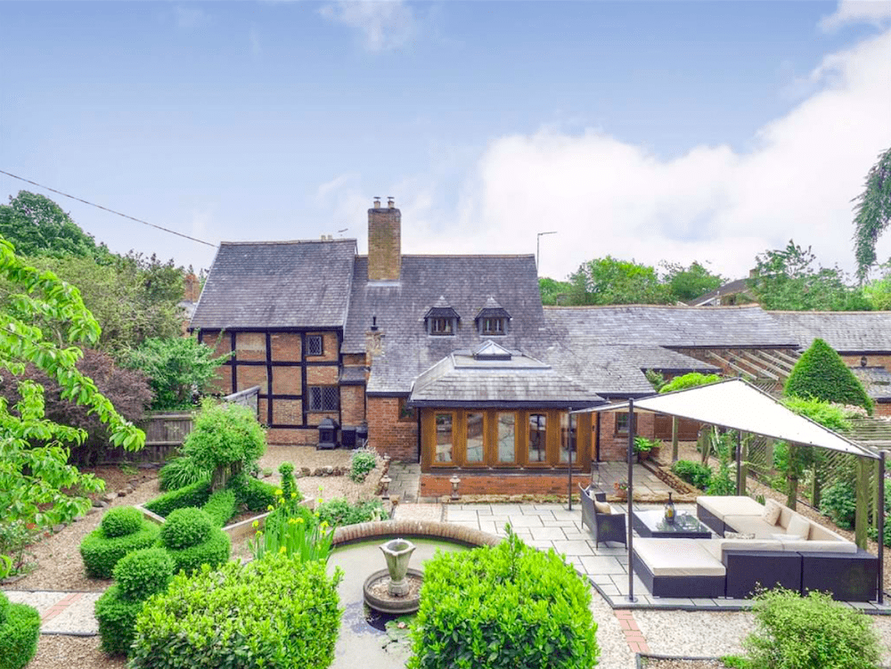 Leicestershire-house-swap-1-million