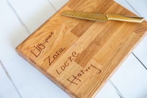 personalised-engraved-solid-oak-chopping-board