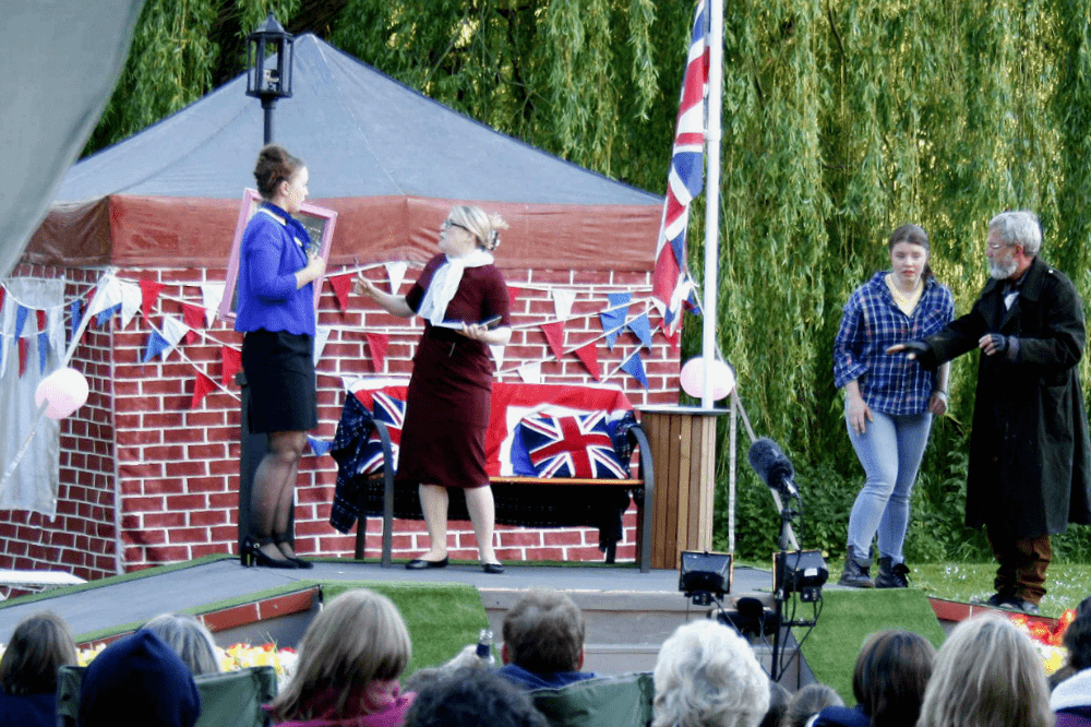 MR STINK OUTDOOR THEATRE PRODUCTION