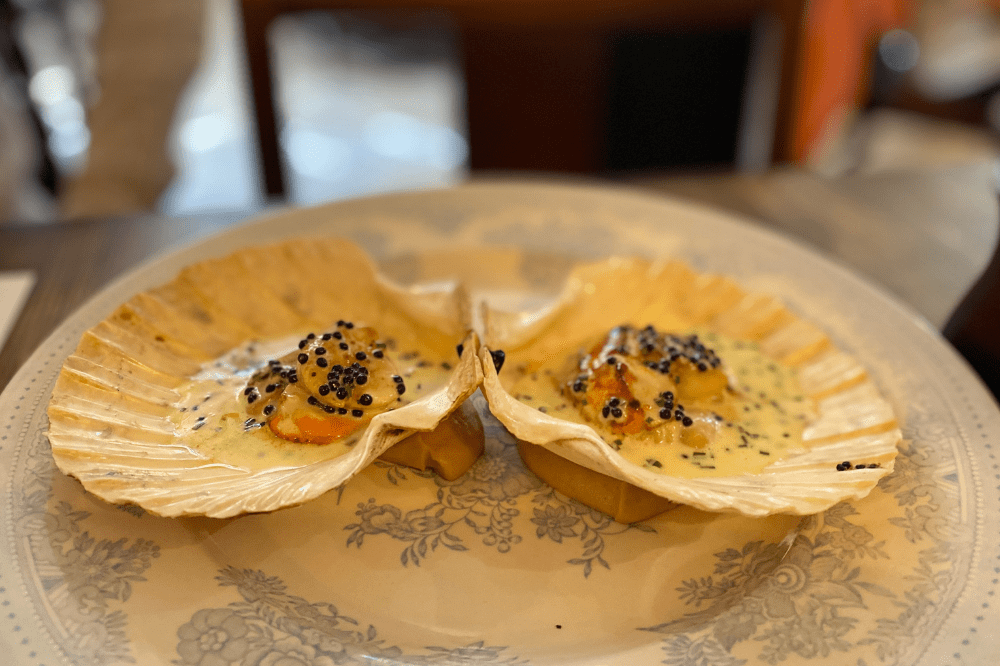 The Greyhound Finchampstead King scallops