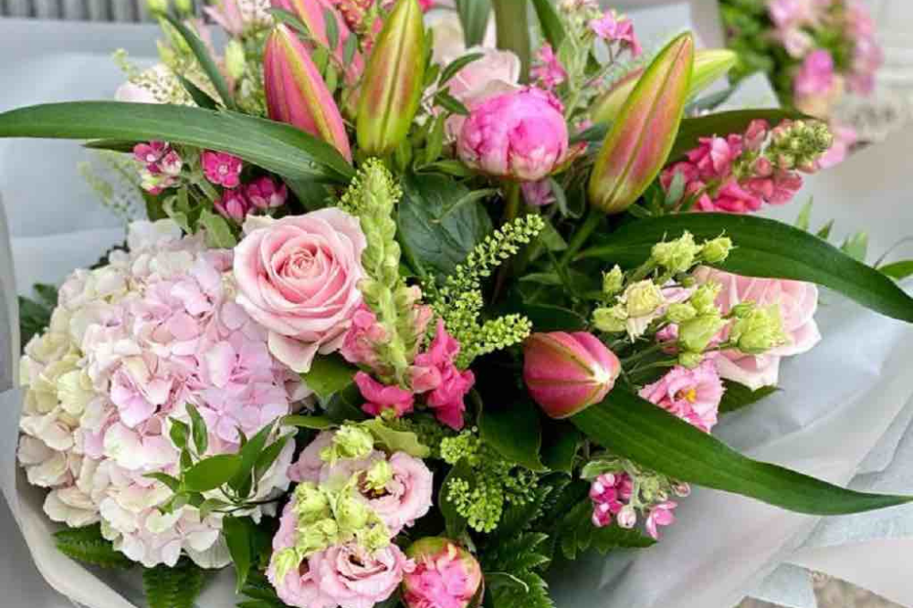 Sonning Flowers Pink bouquet